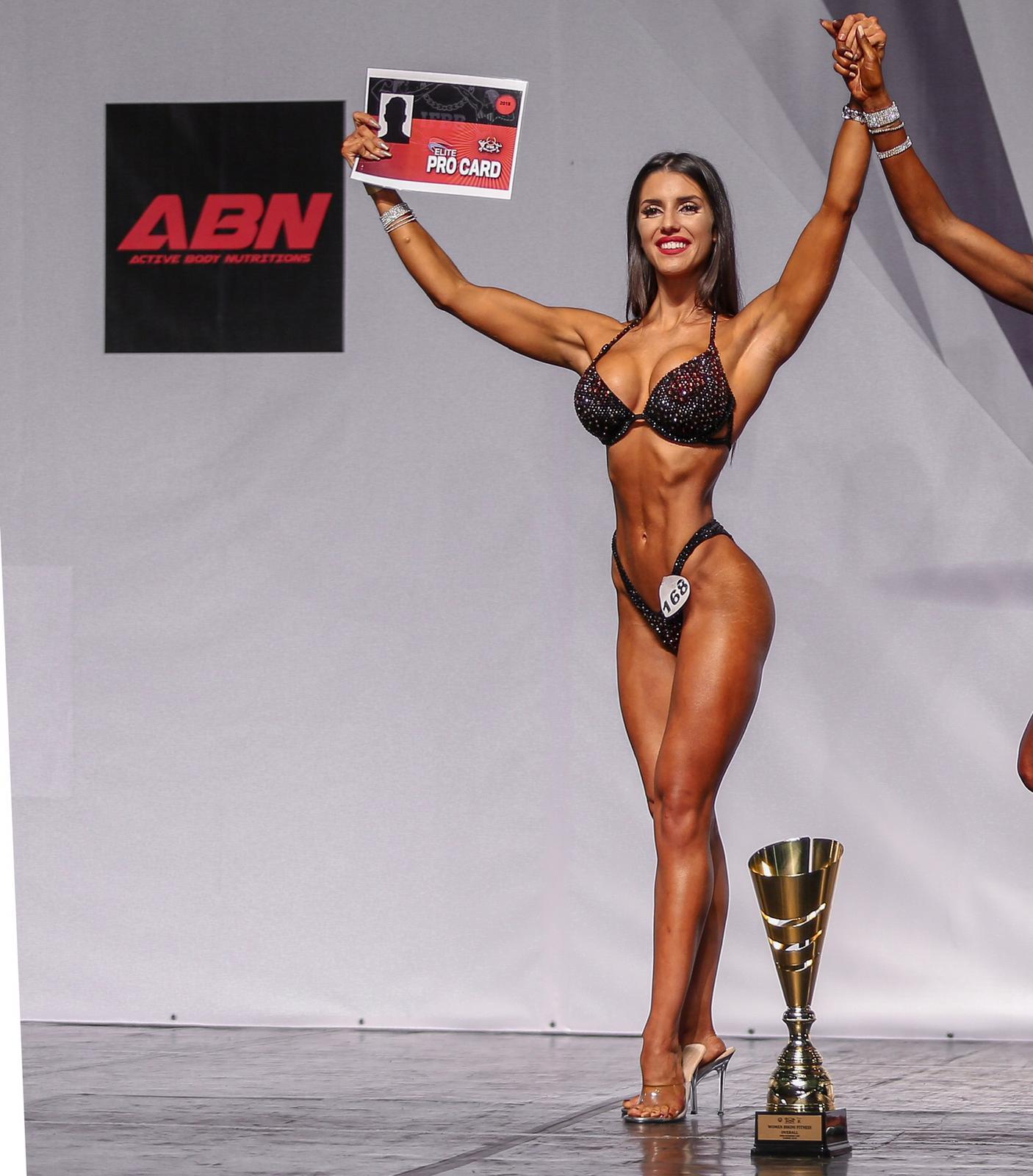 Rosa López, nueva PRO IFBB Elite